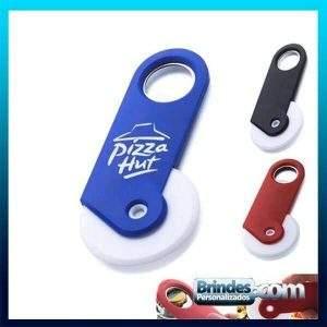Cortador de pizza e abridor de garrafas